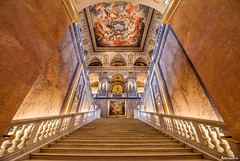Natural History Museum, Vienna. (_Anathemus_) Tags: natural history museum vienna wien austria österreich staircase stairs sculpture marble stone fresk fresco perspective d750 nikon wide angle main painting symmetry