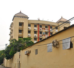 Gedung Polrestabes Surabaya (Everyone Sinks Starco (using album)) Tags: surabaya eastjava jawatimur building gedung architecture arsitektur office kantor policestation kantorpolisi