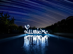 La lumière (tOntOnfred LP) Tags: starstrails starstrail étoile light painting lightpainting france ciel reflet water calligraphy calligraphie