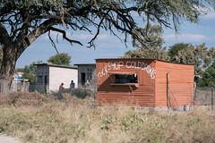 short stop-over (knipslog.de) Tags: tuckshop refreshment botswana botsuana safari adventure wildlife wild animals selfdrivesafari
