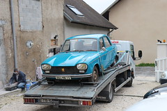 Sauvetage (alex73s https://www.facebook.com/CaptureOfAlex?pnr) Tags: peugeot 204 canon diesel voiture