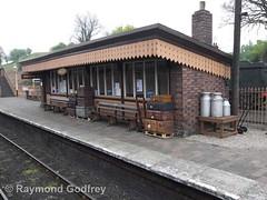 Bridgnorth Station (Faversham 2009) Tags: bridgnorth svr severnvalleyrailway steam heritage train trains locomotive loco railway shropshire station