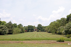 Berkeley Plantation - back lawn, overlooks the James River, Site of the First Official Thanksgiving (Beltway Photos) Tags: berkeleyhundred berkeleyplantation charlescity charlescitycounty virginia unitedstates 1600s plantation antebellum