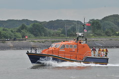 DSC_1835 (jakear) Tags: rnli lifeboat fleetwood blackpool barrow morcambe hovercraft