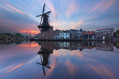 Kruis (zsnajorrah) Tags: urban city skyline windmill water river reflection sky clouds motion sunrise earlymorning longexposure neutraldensityfilter nd filter breakthroughphotography x3nd10 tiffen gradnd 7dmarkii efs1018mm netherlands haarlem spaarne deadriaan koudenhorn zuidam scheepmakersdijk hooimarkt symmetry explore