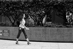 Free The Heel (burnt dirt) Tags: athlete exercise glasses cellphone construction traffic lunch office building worker streetphotography fujiifilm xt1 bw blackandwhite tattoo young model pregnant metro bus busstop train trainstop houston texas downtown city town street sidewalk crosswalk girl woman man people person couple group crowd friend lover friends lovers asian latina cute sexy pretty beautiful gorgeous laugh smile jeans dress skirt shorts yogapants leggings tights stockings longhair shorthair heels stilettos boots shadow reflection sunny blonde sunglasses phone
