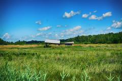Centre Weighted (flashfix) Tags: july152017 2017inphotos canada nikond7100 nikon 40mm ogdensburg ny newyork usa barn farm field old grass bluesky building landscape