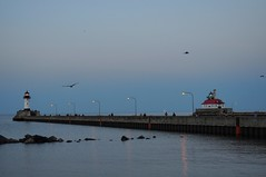 Duluth, MN - Lighthouses (dirklie65) Tags: waterfront night abend leuchtturm lighthouse usa minnesota duluth