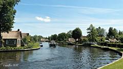 Kalenberg - De Weerribben - Overijssel (Cajaflez) Tags: kalenberg weerribben overijssel thenetherlands boat boot houses rietendak bruggetjes strawroofing coth5