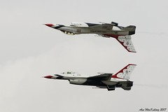 RIAT Airshow 2017 - USAF Thunderbirds (AMKs_Photos) Tags: riat 2017 royalinternationalairtatoo royal international air tatoo raf airforce force fairford airshow aviation amksphotos amk photography canon eos 7d mark 2 ii thunderbirds