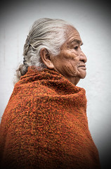 Elderly Lady, Street Portrait, Cuenca (klauslang99) Tags: klauslang streetphotography portrait cuenca ecuador woman lady elderly old profile