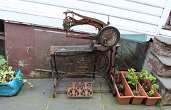 Leather sowing machine, Nornes peninsula area, Bergen. (Shandchem) Tags: bergen norway leather sowing machine nornes peninsula area
