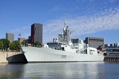 HMCS Toronto (Michael Berry Railfan) Tags: montreal quebec ffh333 hmcstoronto hmcs frigate