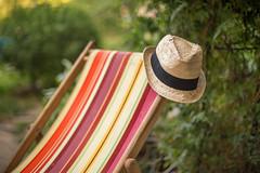 Tardes de verano (Nathalie Le Bris) Tags: siesta nap hat chapeau bokeh summer été verano