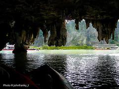 Phuket - Thailand (johnfranky_t) Tags: mare thailand tailandia phuket lumix tz5 johnfranky t imbarcazioni rocce grotta cueva caverna cave