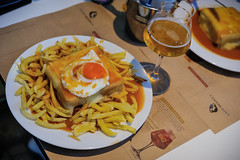 francesinha @ Capa Negra II, Porto (Gail at Large | Image Legacy) Tags: 2017 porto portugal restaurantecapanegraii francesinha restaurant restaurante