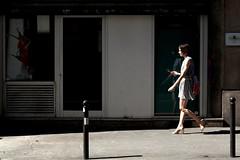 Reflection 108-2017 ( serie walkers ) (Kairos !) Tags: walker walkers walk walking city urban street streetwalk streetview streetphotography streetphotographer fujifilm fujixt20