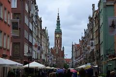 A Rainy Day in Gdańsk (R. Kurosawa) Tags: gdańsk gdansk poland ratusz townhall cityhall ulicadługa landscape rain oldtown citystreet street dluga tower