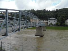 Salzburg Mozartsteg (ustegen) Tags: salzburg austria mozartsteg salzachriver pedestrianbridge