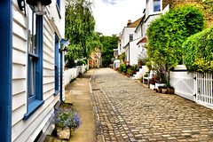 Upnor High Street (Geoff Henson) Tags: village cottage street road cobbles flowers england kent medway upnor quaint