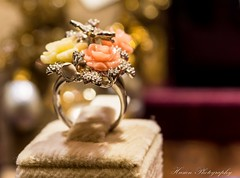 Flowers ring (husiengha) Tags: flowers ring accessories woman girls teen beauty beautiful great nice nikon d5500 bokeh night light city hotel diamond gold love life wedding jewelery colors yellow pink