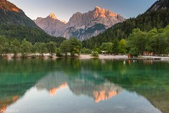 Sunset at the Lake Jasna - Triglav National Park (Captures.ch) Tags: 2017 black blue brown capture clear evening gray green july lake lakejasna landscape mountains nikon orange perfect red reflection slovenia summer sunset travel triglav triglavnationalpark water white yellow