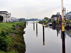 Hohentorshafen (robárt shake) Tags: bremen hohentorshafen weser weitsicht natur nature panorama harbour harbor hafen anleger schiffe boats industrie