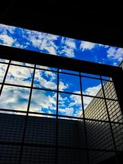 (takashi ogino) Tags: ipod ipodtouch digital sky cloud blue color