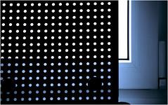 Meine Augen sind derer unendlich! (wolfiwolf) Tags: wolfiart wolfiwolf augen unendlichkeit blau kreiserln blue bleu blu quantensuppe eneamaemü wolfi wolf durchblick kontrast derrahmen ramen monochrom tönung ton tonung musik jazz dirigat jazzinbaggies bluenote butler hismastersvoice i schwarzesloch blackhole master