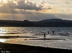 Un pomeriggio al lago - An afternoon at the lake (Pablos55) Tags: bracciano lago tramonto gente sole raggi lake sunset people sun ray