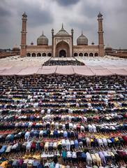 Alvida Jumma (Sourabh Gandhi) Tags: alvida jumma eid eidulfitr eid2017 intriguing travel landscapes prayers mosque jama masjid jamamasjid last friday jumuatulwidaa ramadan ramzan farewell allah namaz sabbyy sg sourabh gandhi