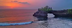 Bali: Evening in Tanah Lot (gerard eder) Tags: world travel reise viajes asia southeastasia indonesia bali tanahlot sea seascape sunset sonnenuntergang puestadesol clouds wasser water wolken nubes oceania landscape landschaft paisajes natur nature naturaleza panorama playa costa coastline küste meer