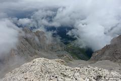 Laggiù il rifugio Franchetti (EmozionInUnClick - l'Avventuriero's photos) Tags: cornogrande cornopiccolo gransasso montagna panorama