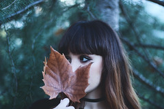 Pilar in the last days of autumn (estherblueberry) Tags: portrait leaf girl autumn fall season canon