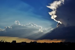 Blue (fdlscrmn) Tags: clouds colours colorful 7dwf sunset rays blue silhouettes light