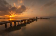 Otro punto de vista. (Amparo Hervella) Tags: amanecer santiagodelaribera españa spain paisaje nube reflejo color largaexposición d7000 nikon nikond7000 comunidadespañola