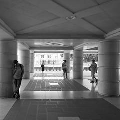 87i60617 (photo & life) Tags: italia italie ville city street streetphotography europe venise photography photolife™ jfl fujifilm fujinon fujifilmxpro2 14mm fujinonxf14mmf28r blackandwhite noiretblanc humanistphotography squareformat squarephotography