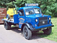 519a Bedford OWLB Flatbed Truck (1944) (robertknight16) Tags: bedford british 1940s owlb truck lorry curbishley stafford 242xup
