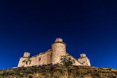 Castillo de Barcience (Yorch Seif) Tags: castillodebarcience nocturna stars starrynight