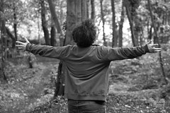 Back to nature (Maddilly M.G.) Tags: blackandwhite blackwhite black blanc white bw portrait portraiture chevelure hair hands happytime nature outside outdoor extérieur exterior noiretblanc noir bois woods light lightandshadow lumière lumières luminosité luminous ombre ombres contraste open person personne man homme jeunehomme youngman back dos feeling liberté freedom
