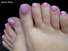 Impala - Torta de Amora (Barbara Nichols (Babi)) Tags: impala pés pésesmaltados foot feet rosa tortadeamora pink pinknails pinknailpolish