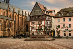 Market place in Germany (hardy-gjK) Tags: stadt town city old houses fachwerkhaus timbered nikon hardy 35 mm motning light morgenlicht place market germany deutschland