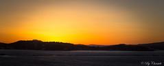Coucher de soleil sur le continent (christelerousset) Tags: soleil coucher continent france corse ferry sunset sun mer méditerranée vagues digue orange jaune panorama