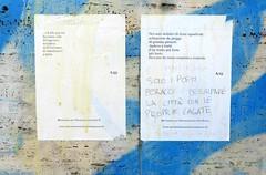 Solo i poeti (Robert Saucier) Tags: bleu blue mur wall sticker graffiti img9118