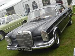 Mercedes-Benz 250SE Coupé (1966) (andreboeni) Tags: classic car automobile cars automobiles voitures autos automobili classique voiture rétro retro auto oldtimer klassik classica classico mercedes benz mercedesbenz 250 250se coupe coupé w108 w111