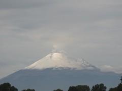 Popocatépetl. (eduardo.osorno) Tags: fumarola méxico puebla popocatepetl montaña nieve volcano volcán