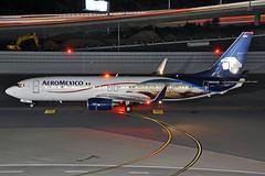 N950AM (Rich Snyder--Jetarazzi Photography) Tags: aeromexico amx am boeing 737 737800 737852 b737 b738 n950am departure departing sanfranciscointernationalairport sfo ksfo millbrae california ca airplane airliner aircraft jet plane jetliner ramptowera rcta atower dark night lights