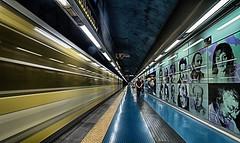 Materdei 7 (isnogud_CT) Tags: materdei bahnsteig statione bahnhof ubahn linea1 underground reisende neapel italien