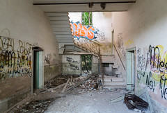 IMG_1602 (The Dying Light) Tags: hauntedisland povegliaisland urbanexplorationphotography urbanexploration urbanexploring 2017 abandoned asylum canon decay horror hospital italy poveglia urbex venice