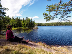 P7232560-Edit.jpg (marius.vochin) Tags: deka oneman green nature people waterfront fbp outdoor lake hiking summar water stockholmslän sweden se